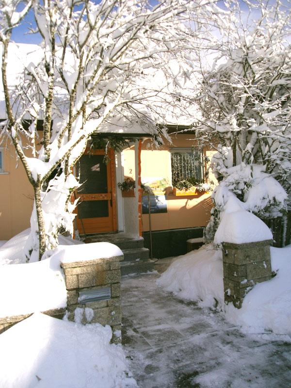 Engelhuesli im Winter